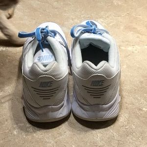 Nike gym shoes vintage